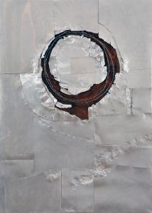 Corona, 2012. Aluminium, soil and wire on canvas. 120 x 80 cm.